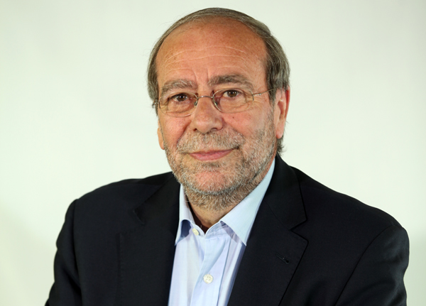 Manuel Robles