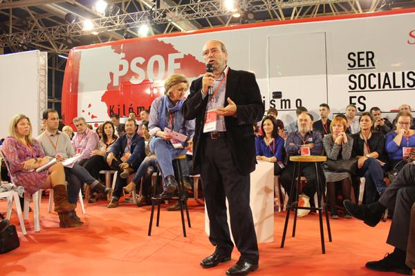 Manuel Robles en la Conferencia Municipal