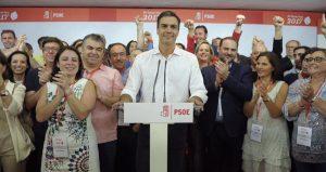 El Secretario General electo, Pedro Sánchez, compareció lanoche de las primarias -tras conocerse su victoria en las elecciones primarias celebradas hoy-, ante más de 200 militantes que abarrotaban el salón […]